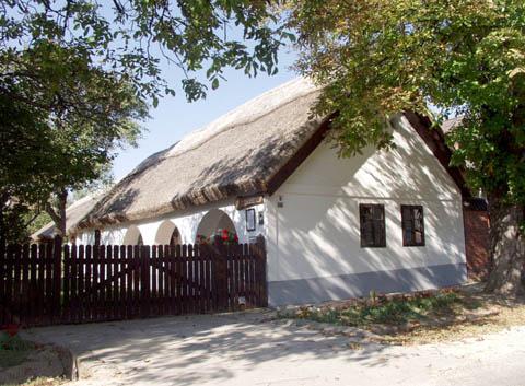 Balatonkenese tájház